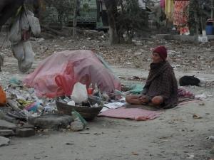 Armut in sog. Entwicklungsländern: obwohl längst genug für alle vorhanden wäre bzw. produziert werden könnte.